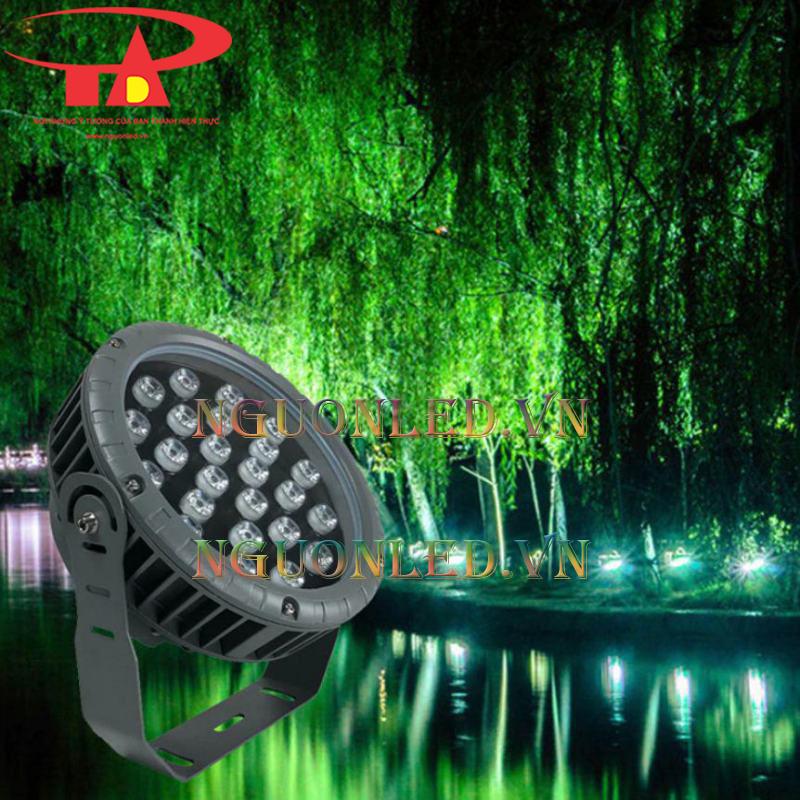 đèn rọi cây cảnh trang trí