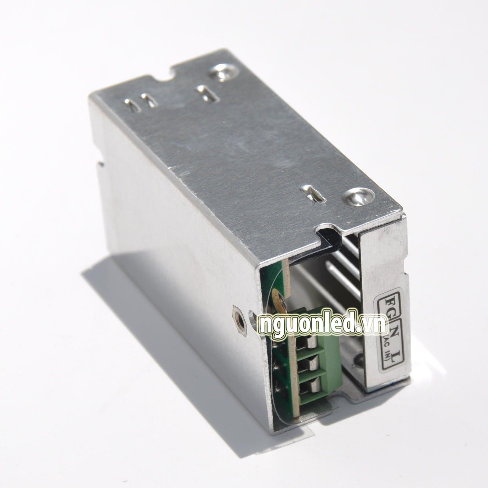 Nguồn led 12v1A loại tốt dùng cho camera, đèn led và điện công nghiệp mua tại nguonled.vn