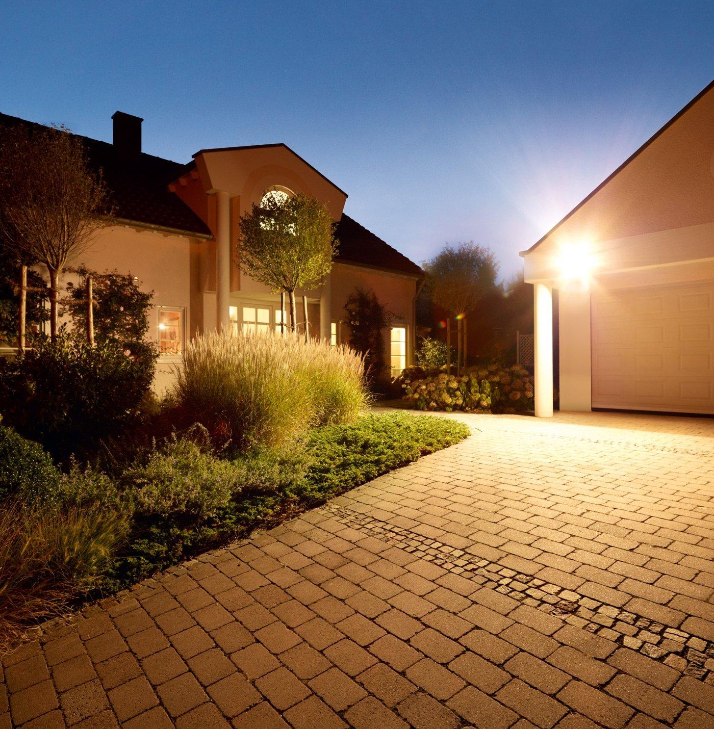 Đèn pha led 100W loại tốt, dùng cho quảng cáo ngoài trời hoặc sân vườn, sản phẩm bảo hành 2 năm, sản phẩm đủ watt, nguonled.vn