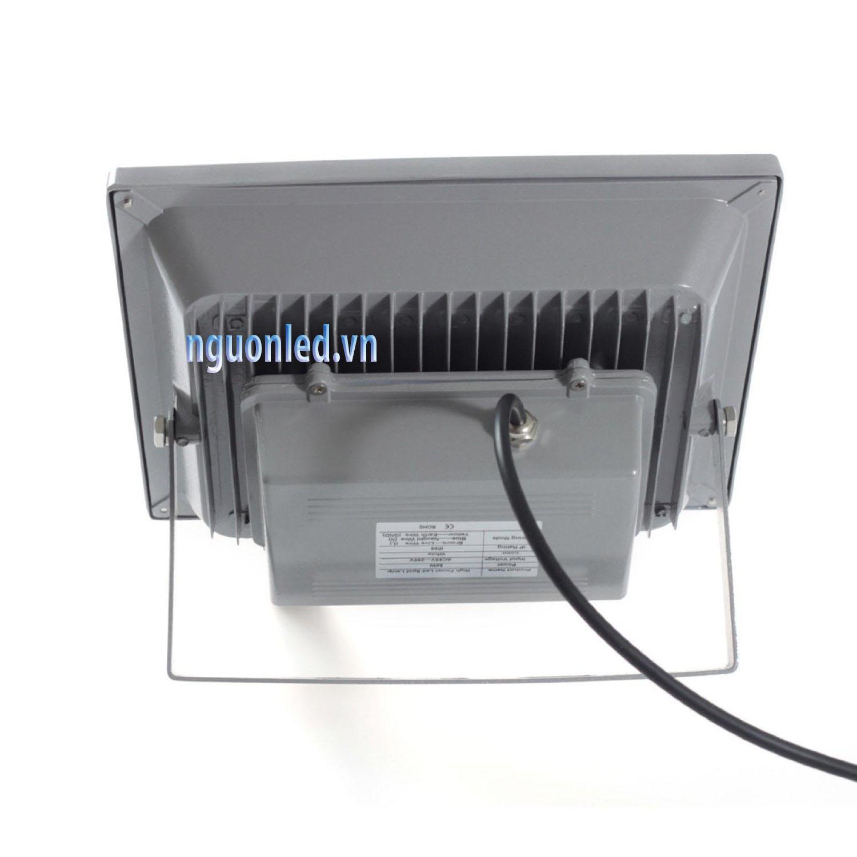 Đèn pha led 50W loại tốt, dùng cho quảng cáo ngoài trời hoặc sân vườn, sản phẩm bảo hành 2 năm, sản phẩm đủ watt