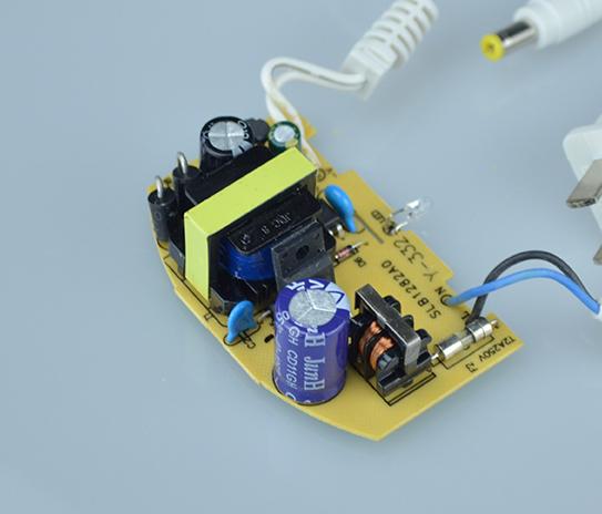 Adapter camera 12V 2A ngoài trời loại tốt bảo hành 1 năm mua tại nguonled.vn