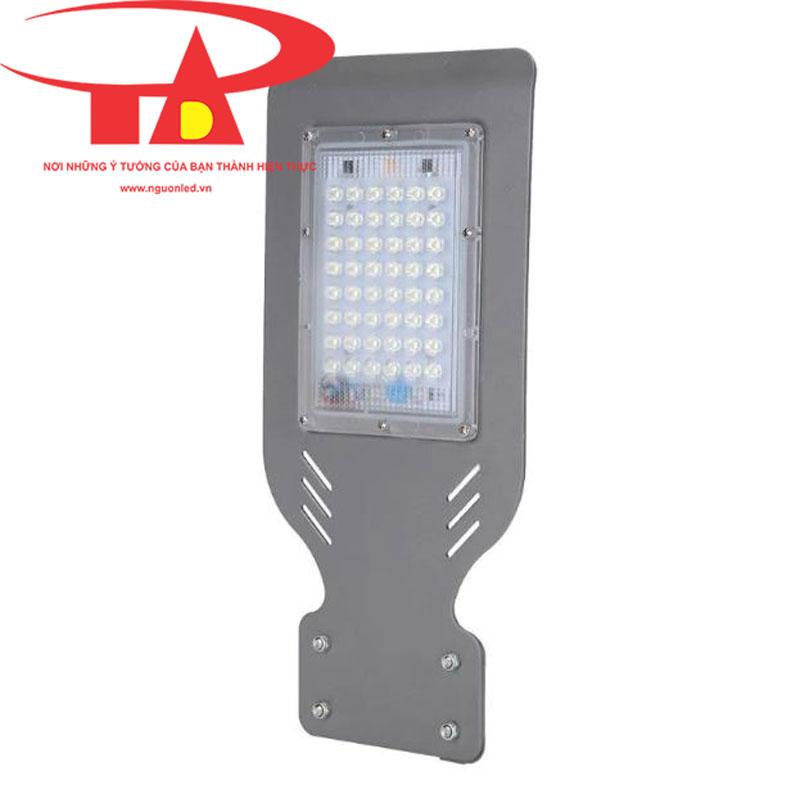 đèn đường chạy bằng năng lượng mặt trời 50w 48 led giá sỉ, chiết khấu cao