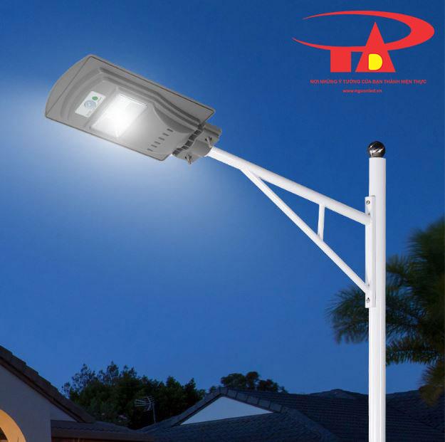 đèn đường năng lượng mặt trời 90w chiếu sáng công viên
