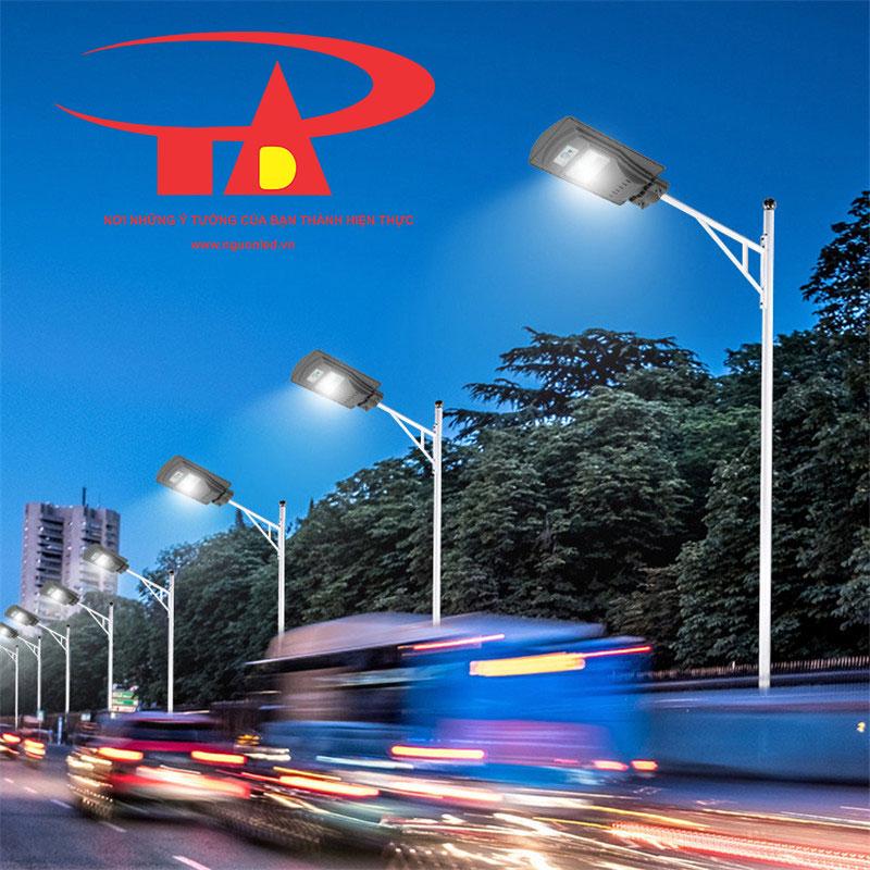 đèn chiếu đường bằng năng lượng mặt trời 60w tiết kiệm điện