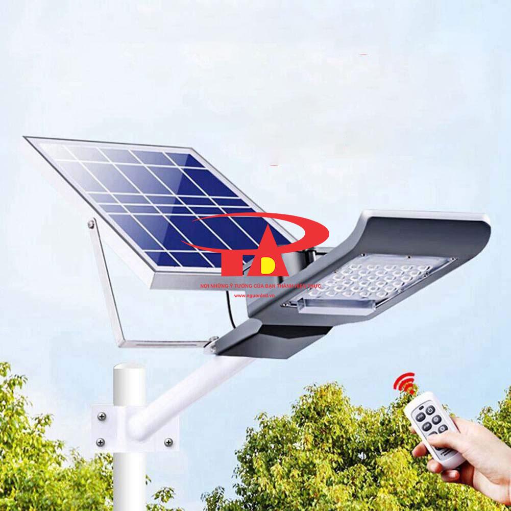 đèn chiếu đường NLMT 50w loại tốt hàng nhập khẩu