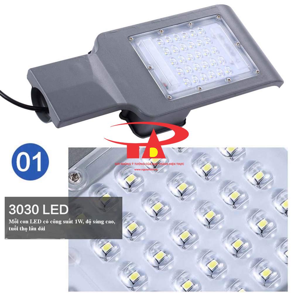 ưu điểm đèn led đường năng lượng mặt trời 30w chiết khấu cao