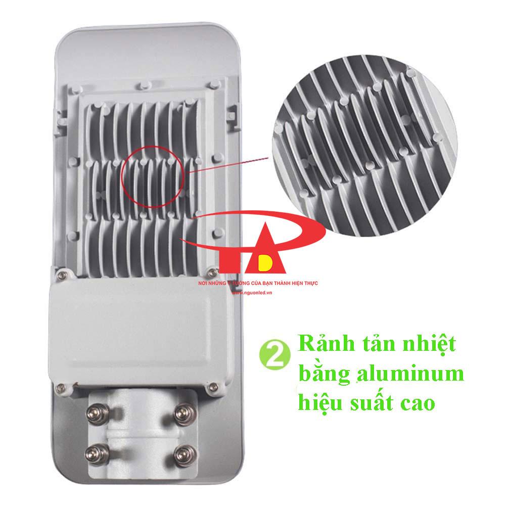 ưu điểm đèn đường led năng lượng mặt trời 30w chất lượng tốt