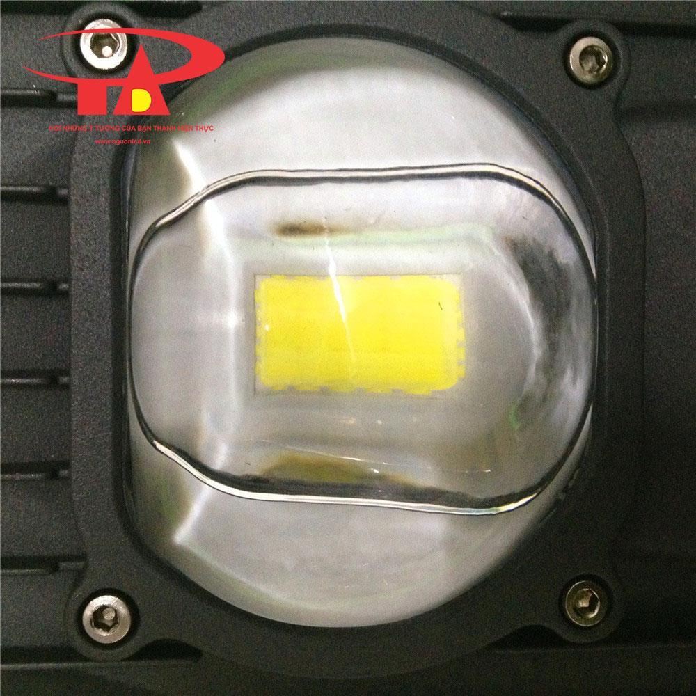 đèn đường chiếc lá năng lượng mặt trời 60w hàng nhập khẩu