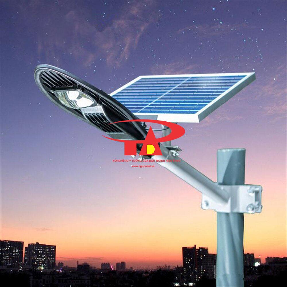 đèn led chiếu đường NLMT chiếc lá 60w chất lượng cao, giá sỉ