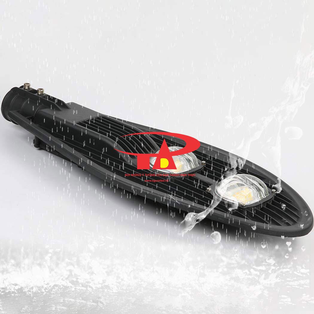 đèn led chiếc lá chiếu đường bằng năng lượng mặt trời 80w chống thấm nước