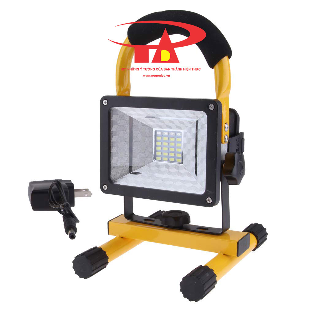 đèn pha sạc điện 30w giá rẻ tại TPHCM