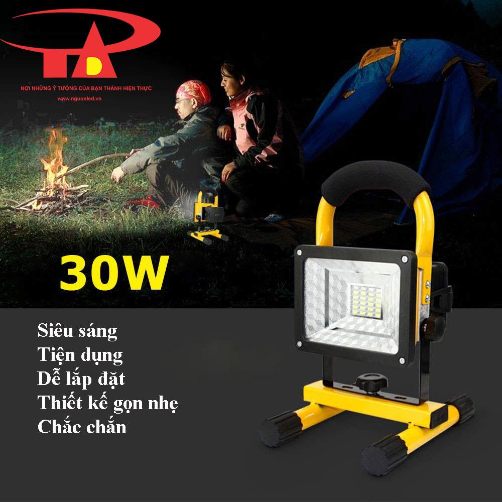 ưu điểm đèn pha sạc 30w hiện đại, tiện lợi, chất lượng cao