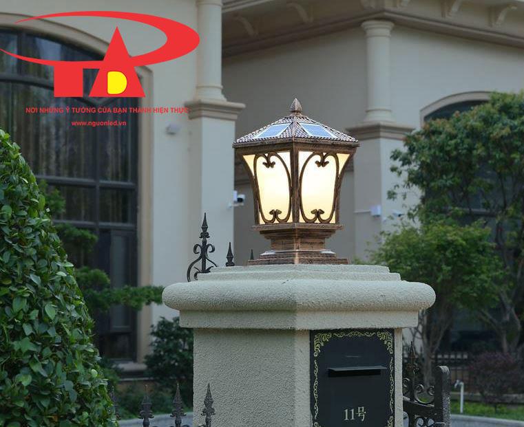 đèn trụ cổng năng lượng mặt trời thiết kế cổ điển, tinh tế
