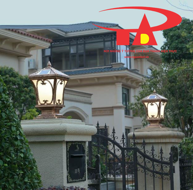 đèn trụ cổng năng lượng mặt trời chiếu sáng tường rào