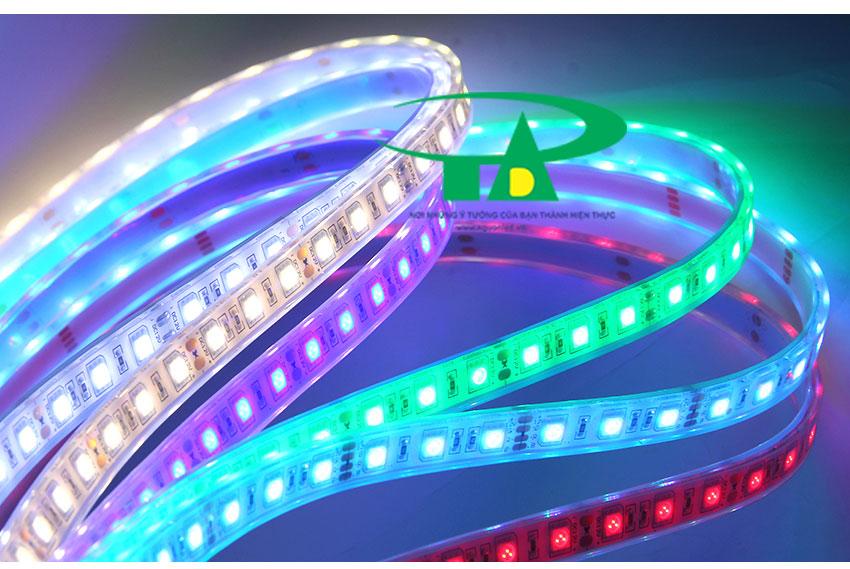 Đèn led dây 5050 ánh sáng vàng, xanh lá, đỏ, hồng RGB cuộn 100m 220V loại tốt