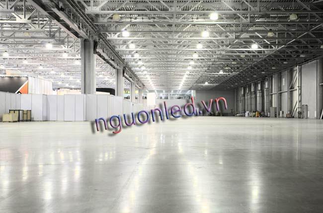 Đèn nhà xưởng 100w loại tốt chuyên dùng cho các xưởng sản xuất