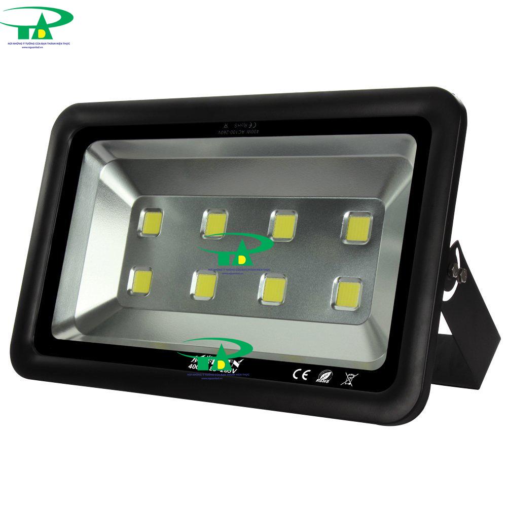 Đèn led pha 500W vỏ dày loại tốt, đủ công suất dùng ngoài trời