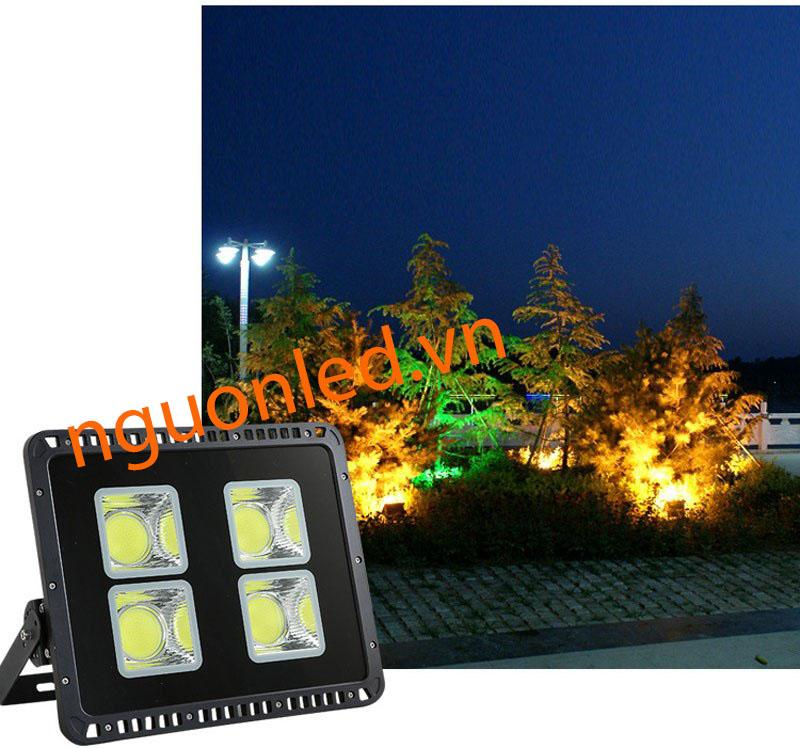 Đèn pha led CoB 100W dùng chiếu sáng biển hiệu quảng cáo, banner quảng cáo ngoài trời, hiên nhà, rọi cây, bãi đậu xe, cà phê sân vườn