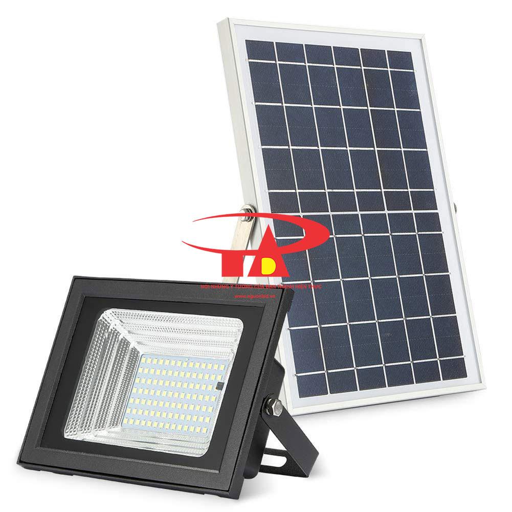 đèn led pha năng lượng mặt trời chiếu sân bãi 100w