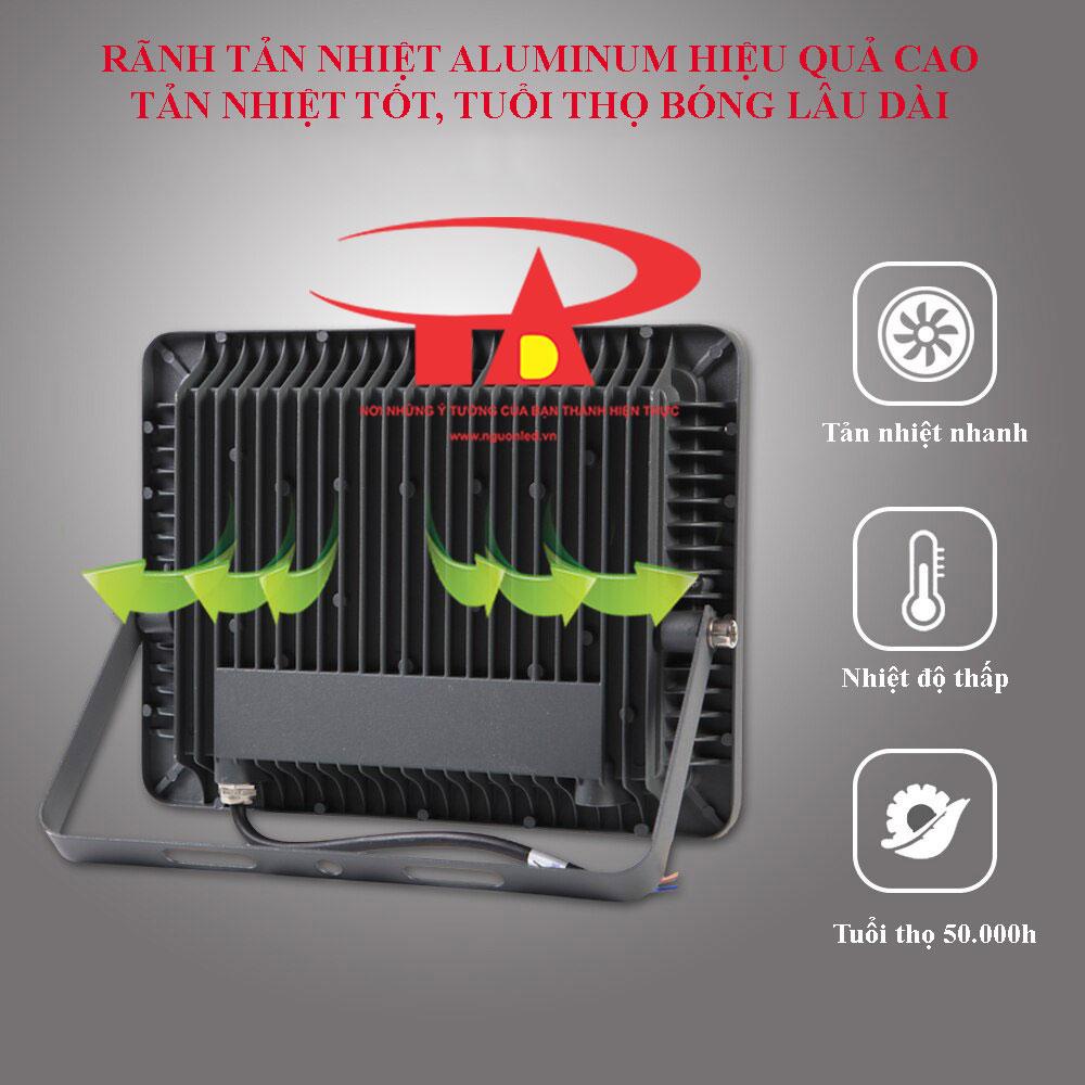 ưu điểm đèn led pha năng lượng mặt trời 100w siêu sáng