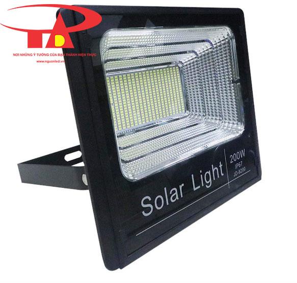 đèn pha led năng lượng mặt trời 200w tiết kiệm điện, tuổi thọ cao