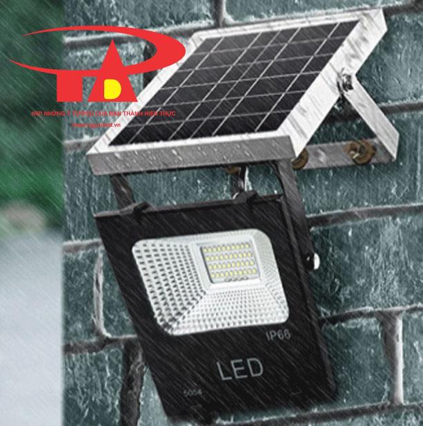 đèn led pha năng lượng mặt trời solar light 50w chiết khấu cao, loại tốt