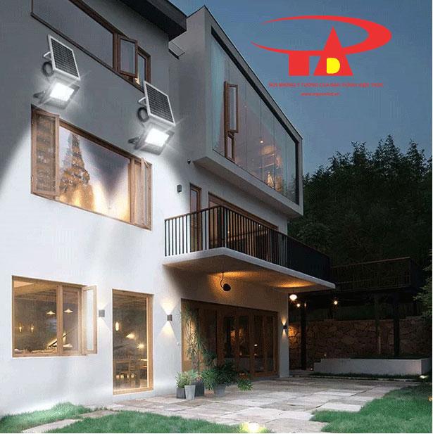 đèn led pha năng lượng mặt trời 50w chiếu sáng nhà cửa, sân vườn