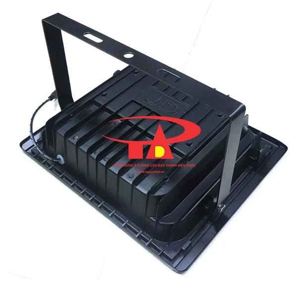đèn led pha năng lượng mặt trời 120w công suất cao