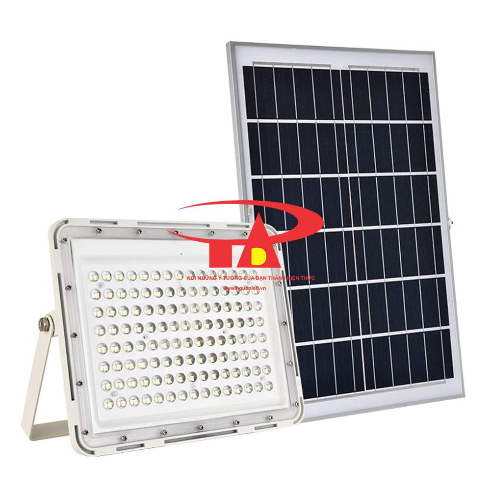 đèn led pha thấu kính sử dụng năng lượng mặt trời 60W tuổi thọ cao