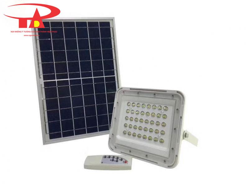 đèn led pha thấu kính sử dụng năng lượng mặt trời 60W chống thấm nước