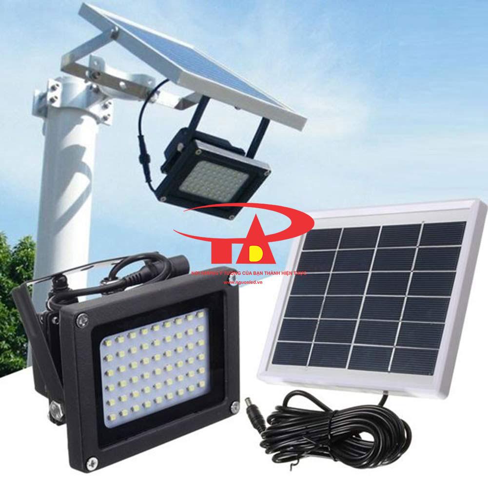 đèn pha led năng lượng mặt trời 54 led nhập khẩu
