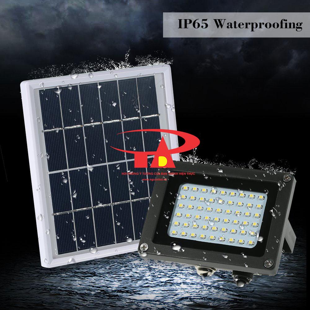 ưu điểm của đèn led pha năng lượng mặt trời 54 led chống thấm nước