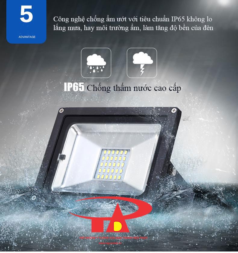 ưu điểm đèn led pha năng lượng mặt trời 10w siên bền, chiếu sáng ngoài trời