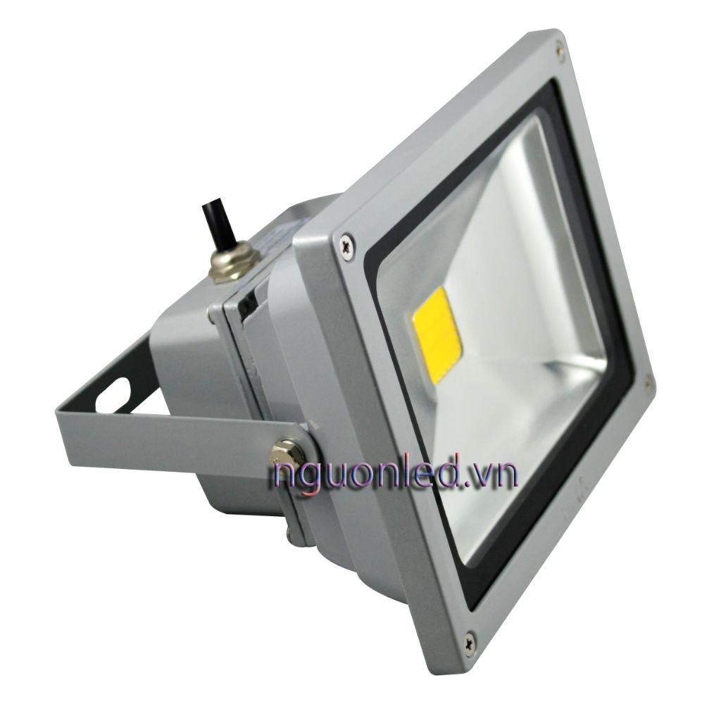 Đèn pha led 20W loại tốt, dùng cho quảng cáo ngoài trời hoặc sân vườn, sản phẩm bảo hành 2 năm, sản phẩm đủ watt